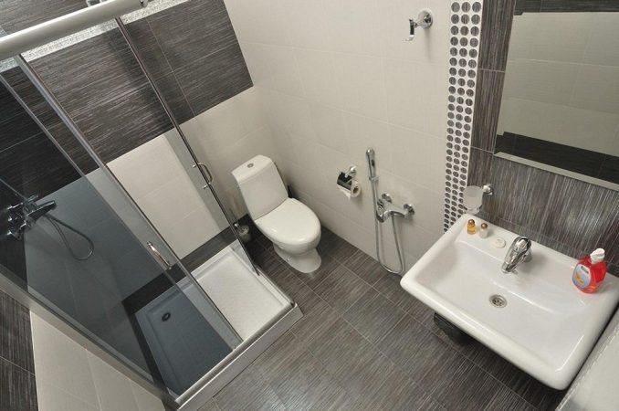 Дизайфн ванной комнаты с туалетом