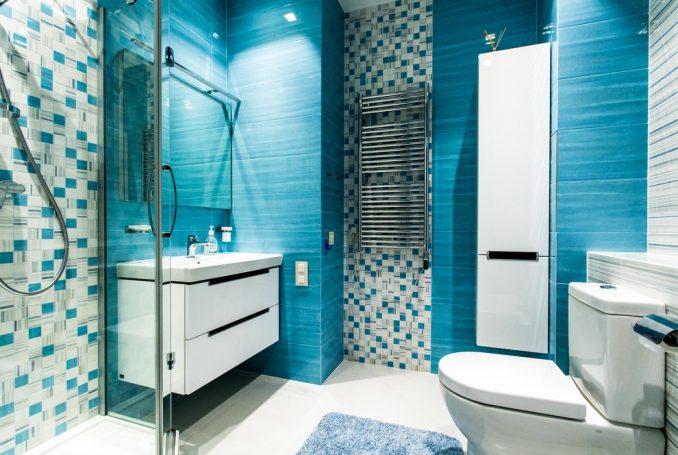 Маленькая ванная комната совмещенная с туалетом