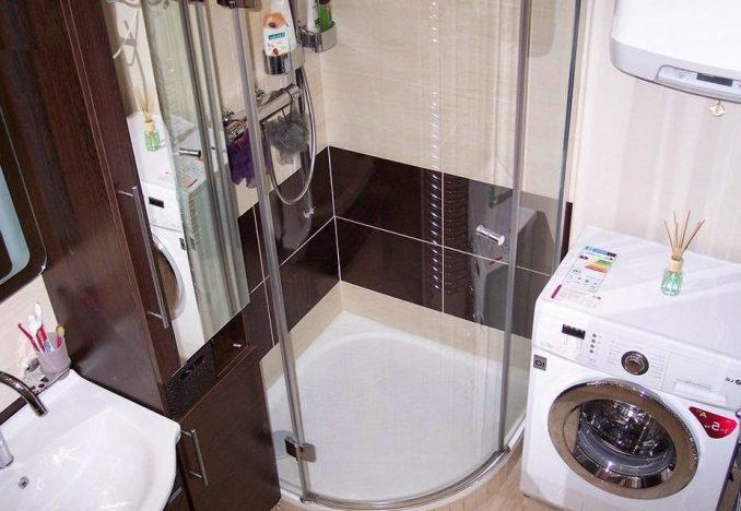 Дизайн ванной в хрущевке с душевой кабиной