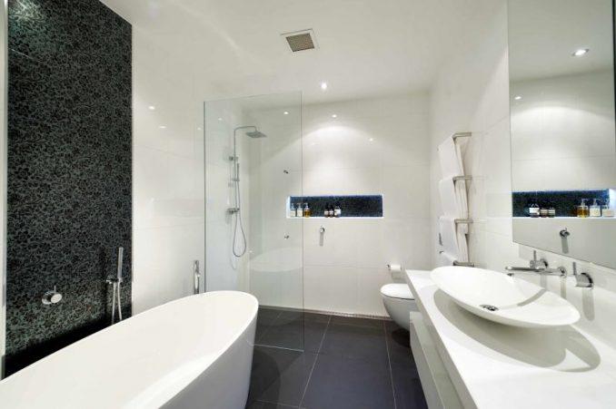 Фотографии просторной ванной комнаты совмещенной