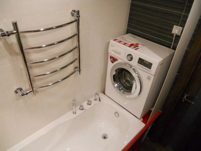 Оригенальный вариант ванной в Серо-черный дизайн ванной в хрущевке