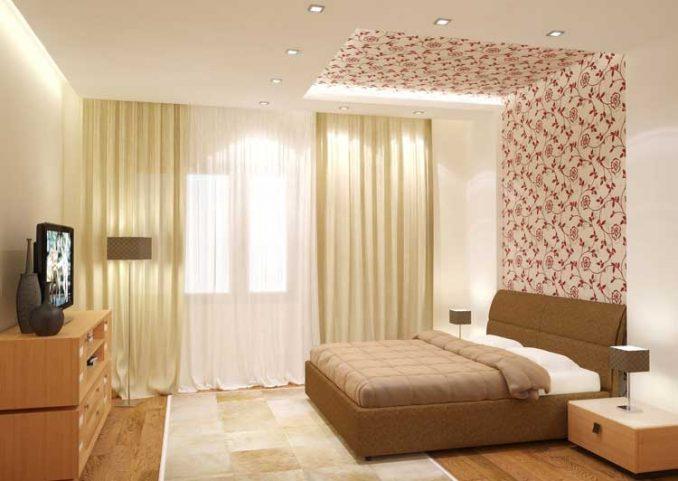 Светлая комната с комбинированными обоями
