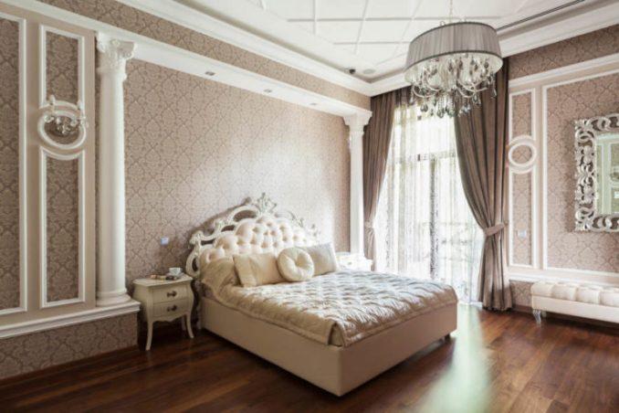 Изящный декор делает спальное помещение гармоничным